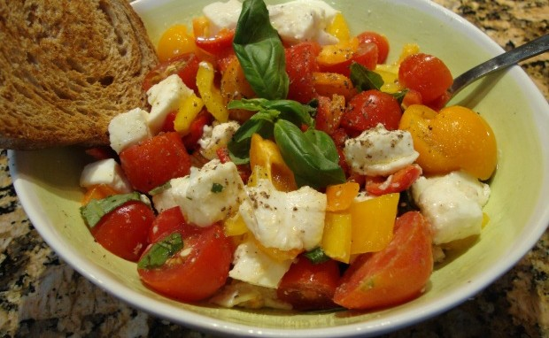 Salad with Mozzarella di Bufala, Grape Tomatoes and Sweet Peppers