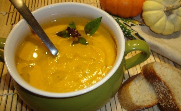 Thai Red Curry Butternut Squash Soup