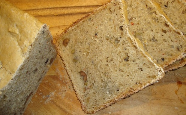 Spicy Olive Rosemary Bread