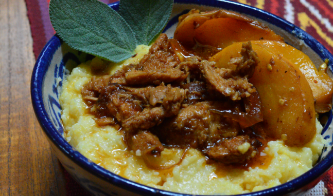 Slow-cooked Shredded Pork with Stewed Peaches